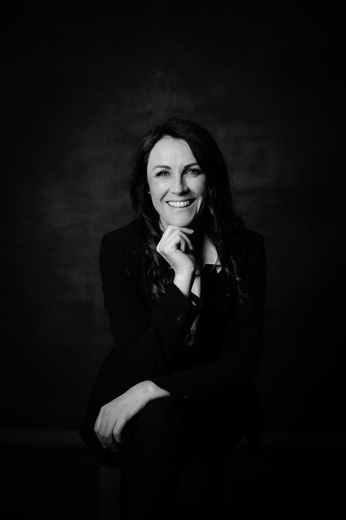 photo femme corporate